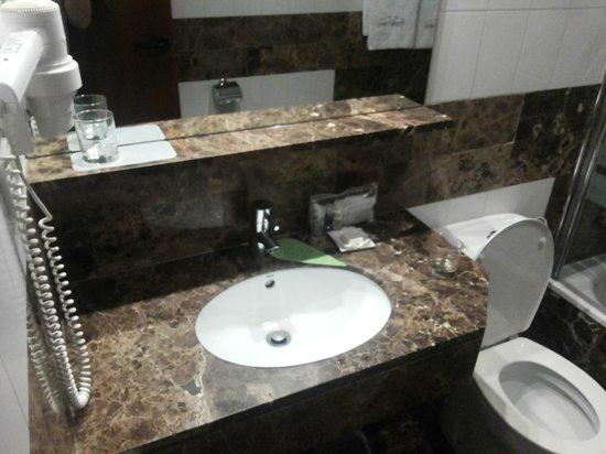 Hotel Balmes: Salle de bain