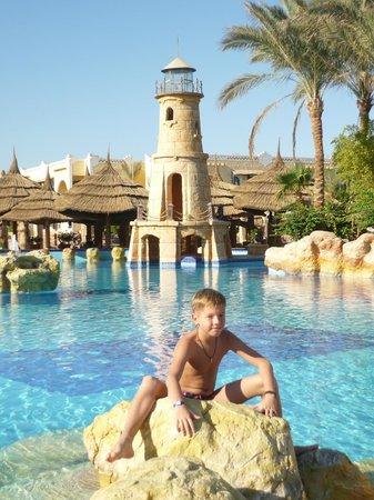 Faraana Reef Resort : Главный бассейн отеля