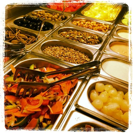Trofea Grill Restaurant Downtown: Salad, seeds, souces - selection