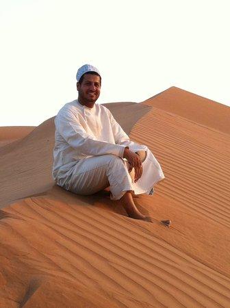 Desert Retreat Camp: le directeur adorable