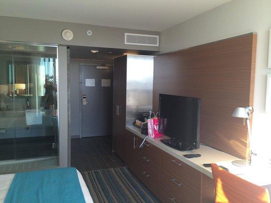 Shore Hotel: Room