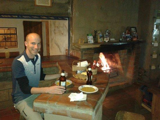 Kembu Cottages: Restaurant/bar at Kembu
