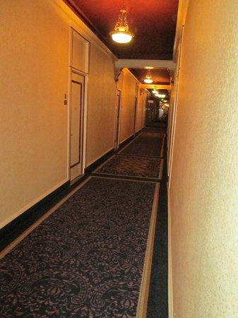 Hotel Whitcomb: Blick auf den Flur