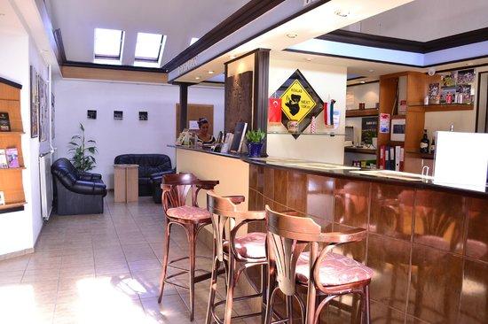 Fortuna City Hotel: Reception area