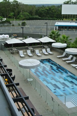 Atura Blacktown : view over the pool
