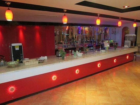 Hotel Cedriana: grand bar