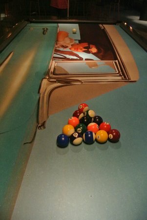 Atura Blacktown: pool table in the lobby