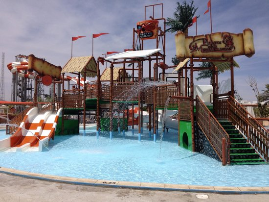 Coral Sea Waterworld Resort : Pirate area at water park