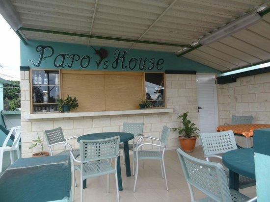 Papo's House : Terrasse où nousavons pris le petit-déjeuner