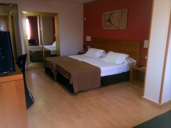 Hotel Maya Alicante: la chambre