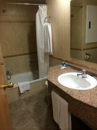 Hotel Maya Alicante: la sdb