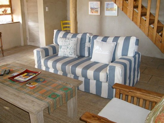 Sandpiper Guest Cottages and The Oystercatcher Trail: Living area