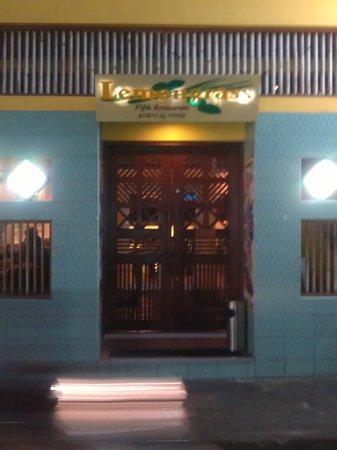 Lemongrass Fifth : door