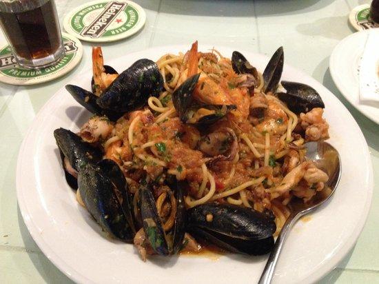 Aspri Avli Garden Restaurant: Frutti de Mare
