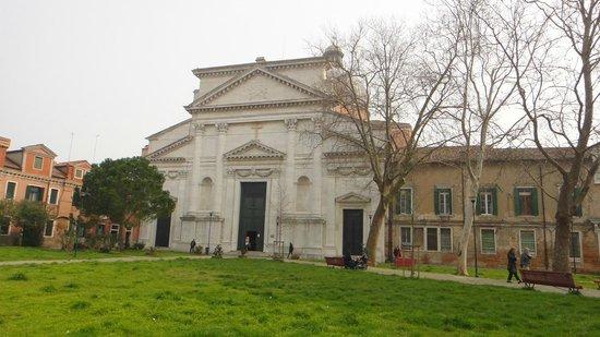 Basilica Concattedrale di San Pietro di Castello: outside