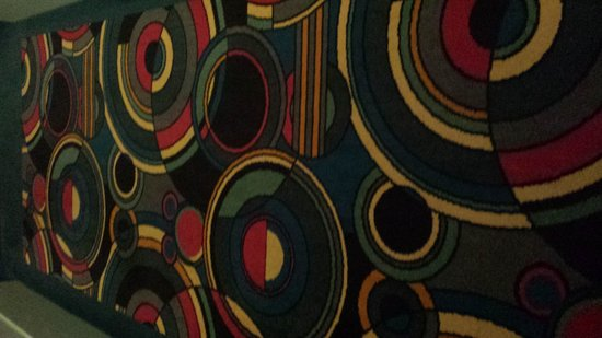 Disney's Hollywood Hotel : Hallway carpet