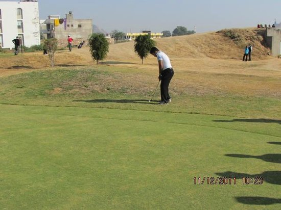 Cambay Resort Jamdoli : Golf Course