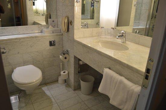 Radisson Blu SkyCity Hotel, Arlanda Airport: Bathroom