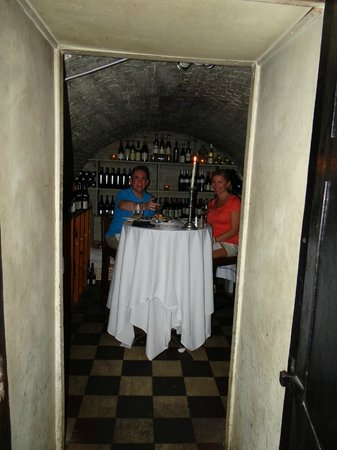Olde Pink House Restaurant : Vault from 1811