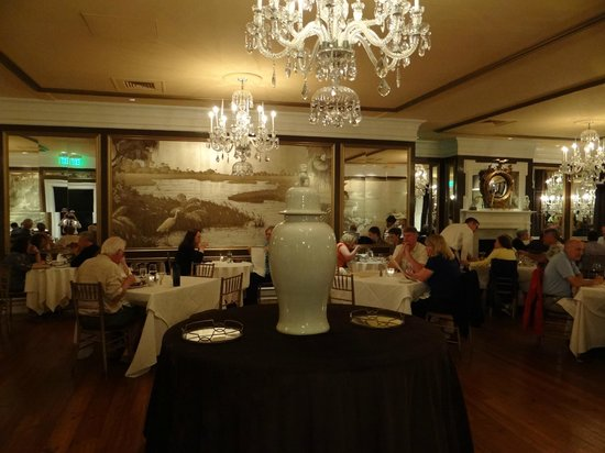 Olde Pink House Restaurant : upstairs banquet and eating room