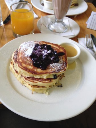 Clinton St. Baking Company & Restaurant : blueberry pancakes