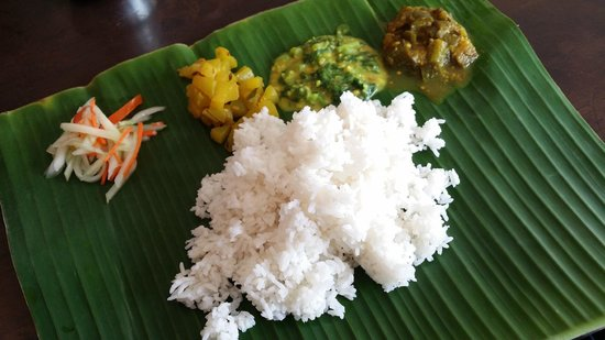 K.Sanba's Curry Specials: banana leaf rice with condiments