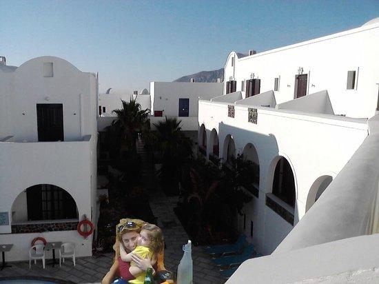 New Haroula Hotel : Εσωτερική αυλή