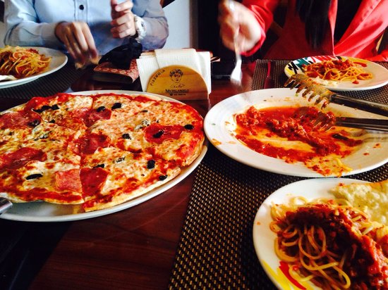 Michaelangelos Pizzaria: Bolognese is a must try also