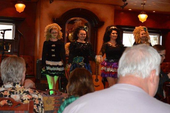 Frank O'Dowd's Irish Pub: Irish Dancers at a Céilidh