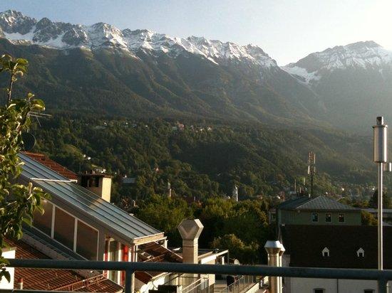 Hotel Schwarzer Adler: С террасы открывается чудесный вид