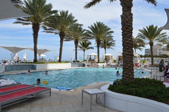 Hilton Fort Lauderdale Beach Resort: Pool