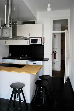 Liv'in Lisbon Hostel: Kitchen