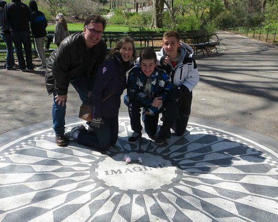 Real New York Tours : Strawberry Fields in Central Park