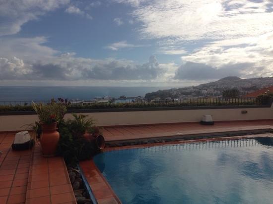 Quinta Mae Homens Apartments : pool area