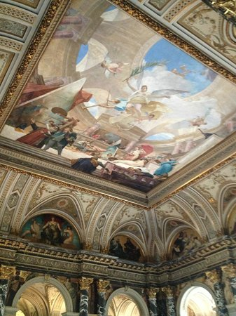 Kunsthistorisches Museum: As a Hungarian, I'm proud of this beautiful fresco, made by our great painter, Mihaly Munkacsy