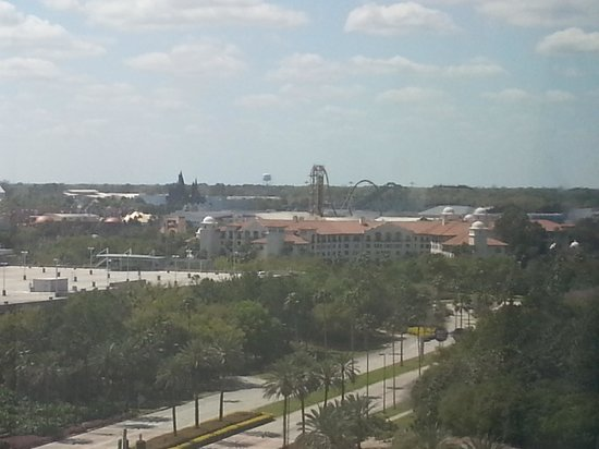 Doubletree By Hilton at the Entrance to Universal Orlando: view