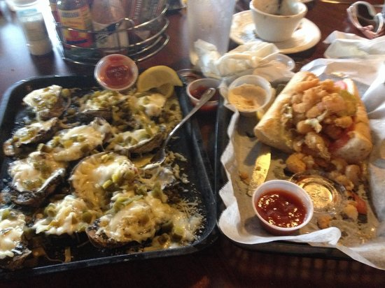Dee's Hang Out : Jalepeno oysters and shrimp po boy