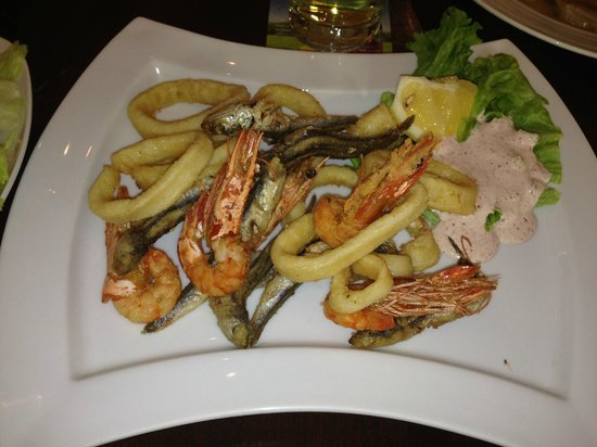 Restaurant Del Sole: Deep-Fried Seafood with Salad