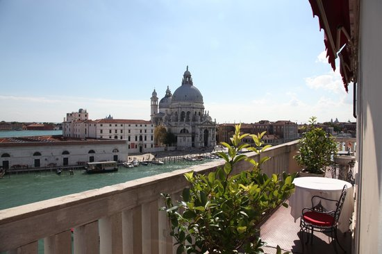 Bauer Palazzo: Stunning views on La Basilica della Santa Maria and the Grand Canal