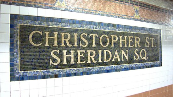 New York Fun Tours : Christopher Street - Sheridan Square subway station