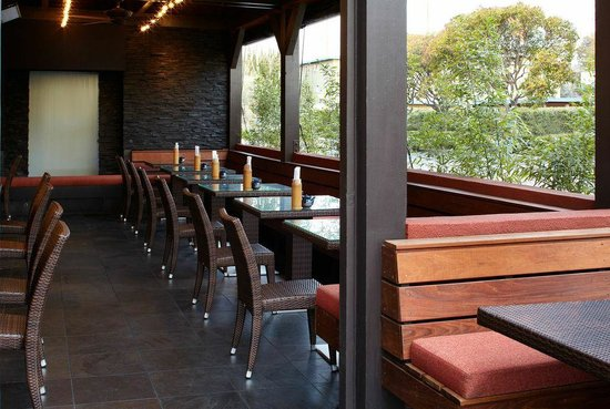 Pacific Catch: covered patio