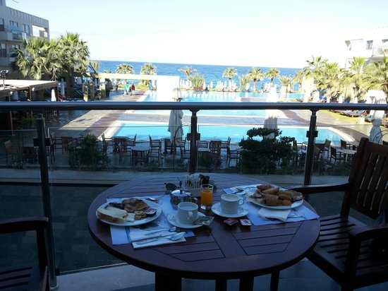 Capital Coast Resort & Spa: The view from the breakfast terrace!!!