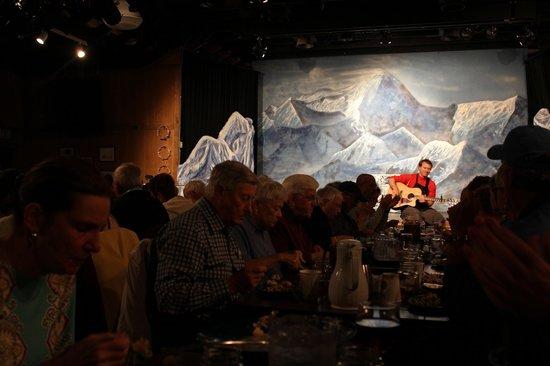 Music of Denali Dinner Theater: Singing during dinner.