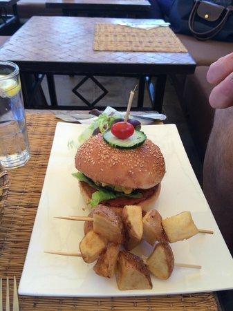 Un Déjeuner à Marrakech : Hamburger