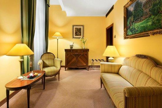 Art Nouveau Palace Hotel Suite