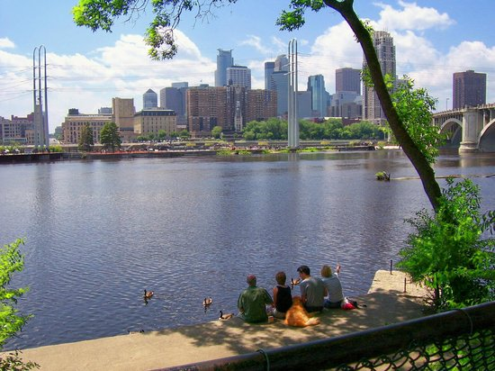 Stone Arch Bridge: A lovely June afternoon