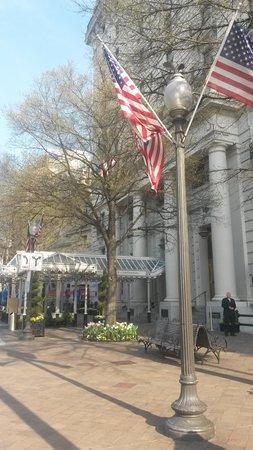 Willard InterContinental Washington: Front of the Hotel