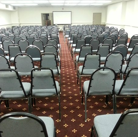 Quality Inn & Suites: Large Meeting in our Conference Area