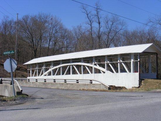 The Union Hotel: Covered Bridge