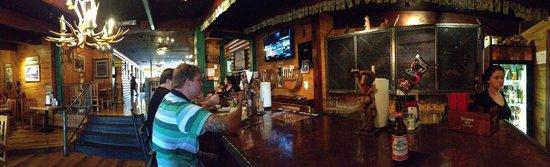 Wildcat Willies Ranch Grill & Saloon : Bar